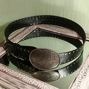 😎VTG😎 Levi's belt with silver buckle
